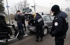 Châu Âu tăng cường an ninh sau vụ xả súng tại Pháp