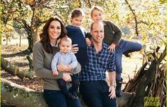 Gia đình Hoàng gia khoe ảnh siêu dễ thương