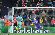VIDEO Southampton 2-3 Arsenal: Chết vì bóng bổng