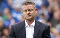 Manchester United vô tình hé lộ HLV mới