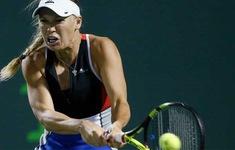 WTA Finals 2018: ĐKVĐ Caroline Wozniacki ra quân thất vọng