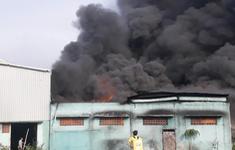 Sáng 19/4, xảy ra hai vụ cháy nhà xưởng tại TP.HCM