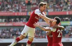 Monreal vô lê đẹp mắt, mở tỷ số cho Arsenal đầu hiệp 2