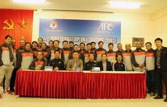 5 HLV Việt Nam được cấp bằng AFC Pro