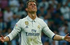 C.Ronaldo: Đừng so sánh tôi với Mohamed Salah