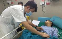 Chủ quan bệnh viêm loét dạ dày, người đàn ông vào viện cấp cứu vì thủng tạng rỗng