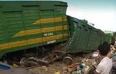 Quảng Nam: Hai tàu hàng đâm nhau tại ga Núi Thành, 1 lái tàu bị thương