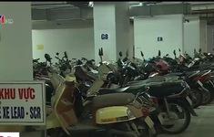 Hàng chục bãi xe trái phép tồn tại giữa lòng thủ đô Hà Nội - Vì sao?