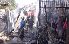 An Giang: Cháy lan từ nhà dân sang trại nuôi gà