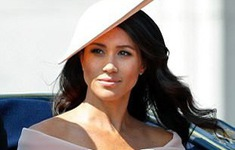 Soi tủ đồ triệu đô của Công nương Meghan Markle kể từ khi làm dâu Hoàng gia Anh