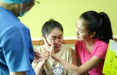 Thí sinh Hoa hậu Việt Nam gây xúc động bởi sự chân chất