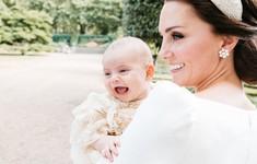 Hoàng gia Anh công bố ảnh lễ rửa tội tuyệt đẹp của hoàng tử Louis