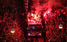 ĐT Croatia trở về sau chiến tích lịch sử: Còn bữa tiệc nào hoành tráng hơn thế?