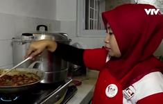 Indonesia gom đồ ăn thừa ở đám cưới phát cho người nghèo, tránh lãng phí thực phẩm
