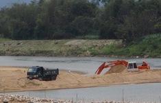 Chậm khắc phục hậu quả sạt lở do khai thác cát - Cử tri Bình Định mong muốn cơ quan chức năng quyết liệt hơn