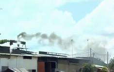 Hàng chục ống khói thải bủa vây khu dân cư