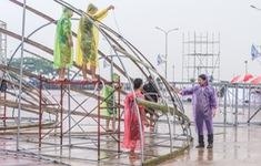 Tổng đạo diễn HHVN 2018 lo lỡ hẹn với khán giả Cửa Lò vì mưa bão