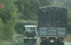 Kinh nghiệm lái xe ô tô đường đèo dốc mùa mưa lũ
