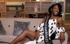 Cô gái gốc Phi đầu tiên trong lịch sử đăng quang Hoa Hậu Hoàn Vũ Anh