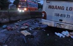 Xe khách lao vào dải phân cách làm 2 người chết