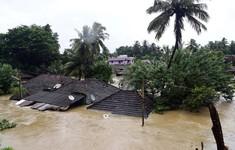 Mưa lũ gây ngập lụt nghiêm trọng ở Ấn Độ, 79 người thiệt mạng