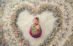 Bức ảnh em bé cầu vồng gây sốt mạng xã hội