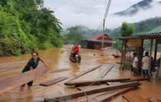 Lũ quét bất ngờ trong đêm, gây nhiều thiệt hại cho người dân vùng cao Nghệ An
