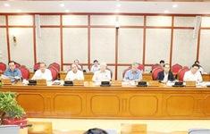 Bộ Chính trị cho ý kiến các đề án trình Hội nghị Trung ương 8