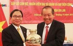 PTTg Thường trực Trương Hòa Bình gặp gỡ cán bộ, nhân viên ĐSQ Việt Nam tại Ba Lan