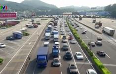 Trung Quốc tắc nghẽn giao thông dịp Trung thu