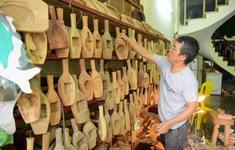 Gia đình nghệ nhân Hà Nội 35 năm giữ nghề làm khuôn bánh Trung thu