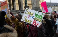 Phụ nữ Thụy Sĩ biểu tình đòi trả lương bình đẳng