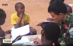 Lớp học tình thương của những sĩ quan Việt Nam với trẻ em nghèo Trung Phi