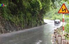 Nguy cơ tai nạn trên đường đèo dốc lên cao nguyên đá Đồng Văn