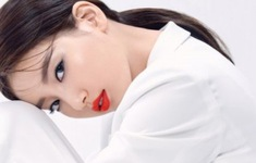 Suzy tiết lộ bí quyết sở hữu làn da đẹp không tì vết trên Marie Claire