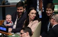 Thủ tướng New Zealand mang theo con nhỏ tới họp tại LHQ