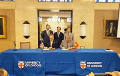 Đại học Anh Quốc Việt Nam ký thỏa thuận hợp tác tại Diễn đàn hợp tác và đầu tư giáo dục London