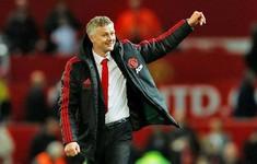 """Sốc: Ghi điểm cực mạnh, Solskjaer vẫn bị Man Utd cho """"ra rìa"""""""