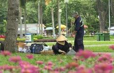 Bất cập xử lý vi phạm xả rác công viên