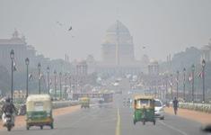 Thành phố New Delhi (Ấn Độ) chìm trong khói mù ô nhiễm