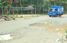 Quốc lộ 8A xuống cấp sau các đợt mưa