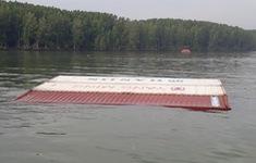 Vụ chìm tàu chở container: Bắt đầu xuất hiện dầu loang