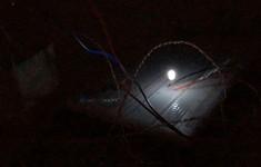 """Khó tin: Các nhà khoa học tìm được cách tạo ra điện từ """"bóng đêm"""""""