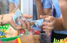 Cho trẻ em tiền, nên hay không?