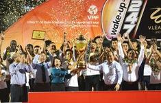 CLB Hà Nội tưng bừng nâng cúp vô địch V.League 2019