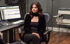"""Selena Gomez: """"Tôi hạn chế dùng mạng xã hội vì bị chê béo"""""""