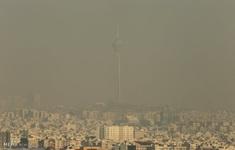 Iran đóng cửa trường học do ô nhiễm không khí