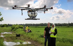 Tanzania thử nghiệm máy bay không người lái phun thuốc diệt muỗi