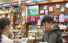 Thị trường quà tặng 20/11 đa dạng và nhộn nhịp