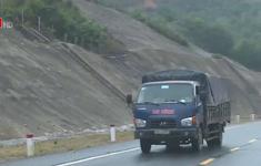 Tránh trạm thu phí, ngang nhiên chạy xe vào cao tốc chưa nghiệm thu